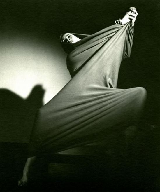 Barbara Morgan. Martha Graham, Lamentation 1935 Via haggertymuseum