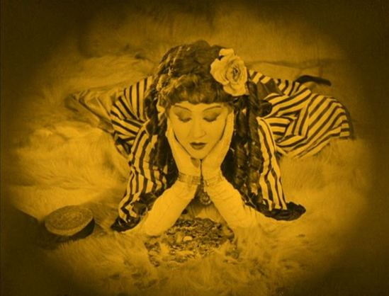 Catherine Hessling in Nana directeted by Jean Renoir 1926 Via ishootthepicture