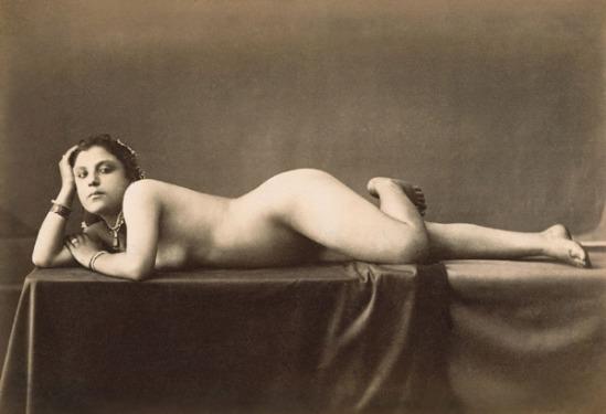 E.Aubin1. Nu années 1880 Via wikibooks