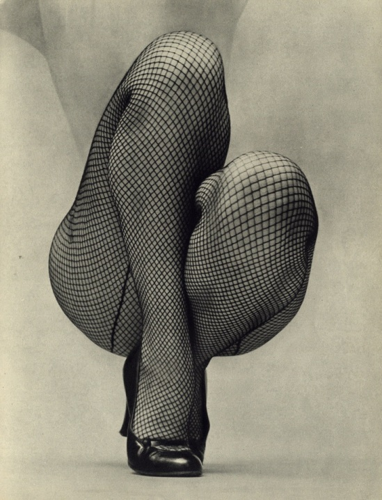 Fernand Fonssagrives. The dancer for Figure 1951 Via puppiesnandflower