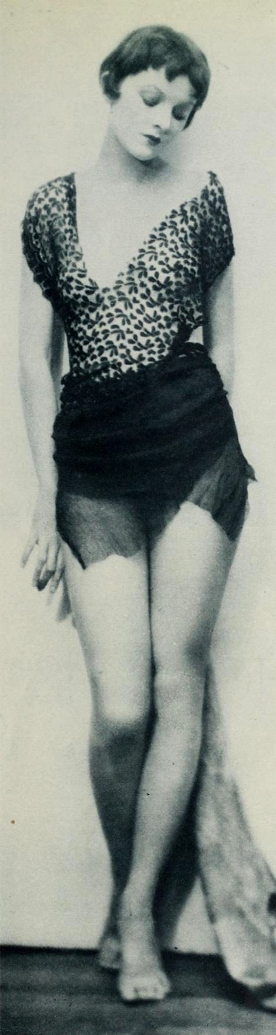 Henri Waxman. L'actrice Myrna Loy 1920. Via diasp.org.jpg