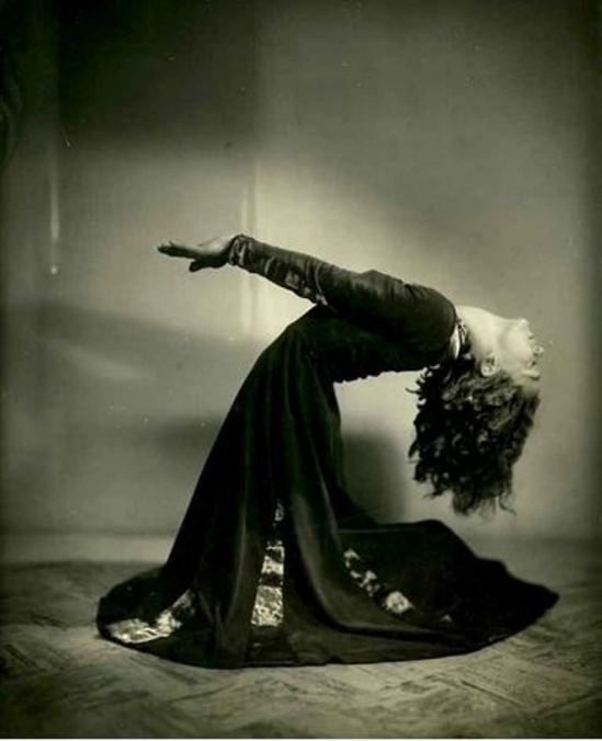 Lenare. Dancer Leslie Burrowes early 1930 Via perforingarts