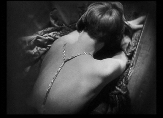 Louise Brooks in Pandora's box directed by Georg Wilhelm Pabs 1926 Via fanpop