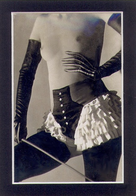 Roger Schall  for the Diana Slip Lingerie Company 1932 Via vastaimages