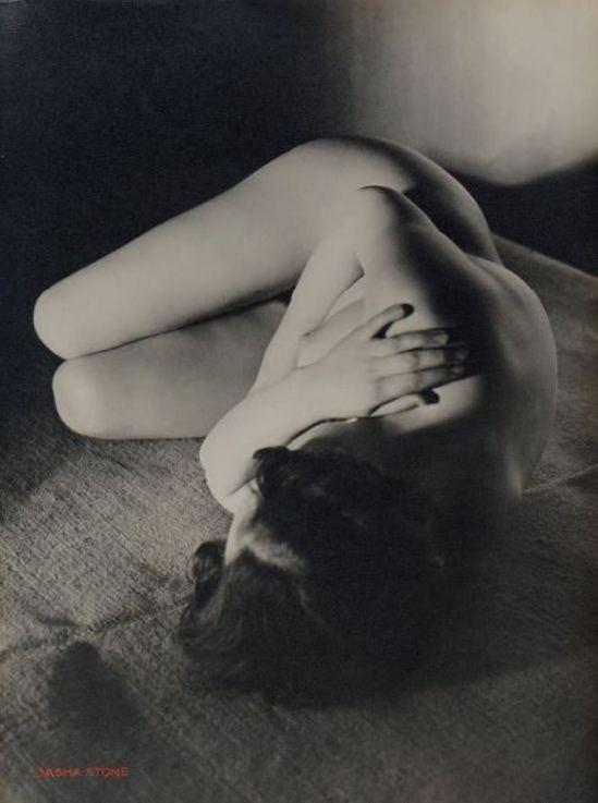 Sasha Stone. Etude de nu vers 1933 Via drouot