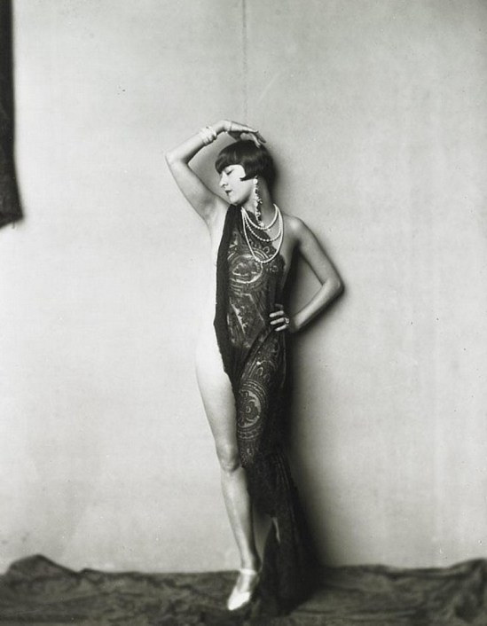 Alfred Cheney Johnston. Ziegfeld dancer 1925 Via invaluable