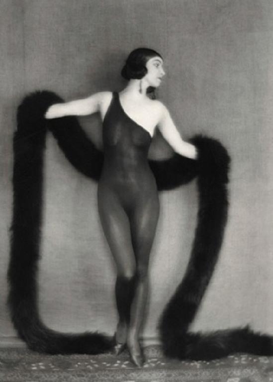 Emil Otto Hoppé. Florence Normand 1920 Via artnet