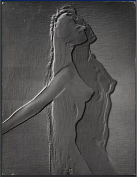 Erwin Blumenfeld, Sans titre. Tirage au gélatino-bromure dargent, Paris, 1937. © Collection privée de Henry et Yorick Blumenfeld