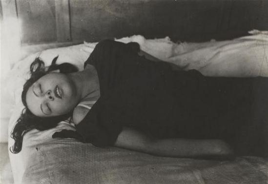 Brassaï. Le phénomène de l'extase vers 1933. Via RMN