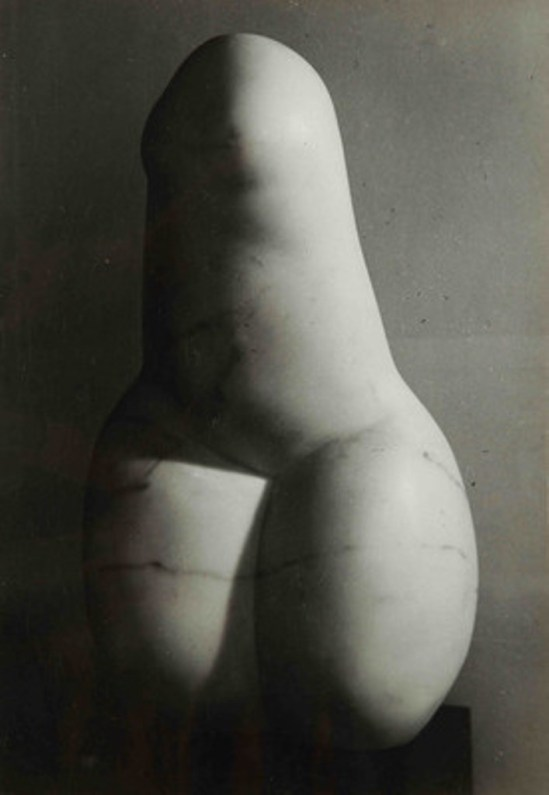 Brassaï - La femme phallique, 1966. Via fiac