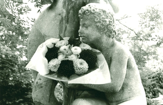 Edouard Boubat. L'ange au bouquet 1980-1989. Via collezionemarone