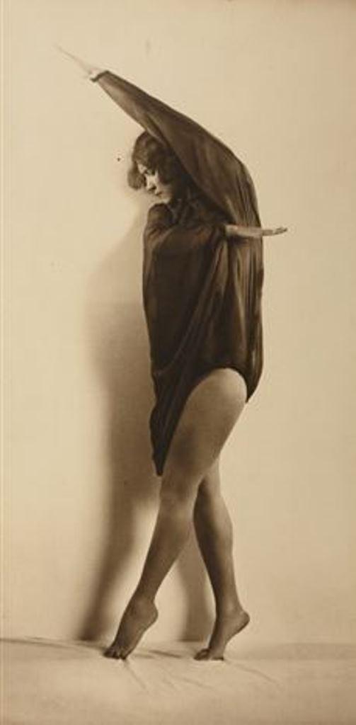 Franz Löwy. Dancer Bertl Komauer 1924. Via artnet