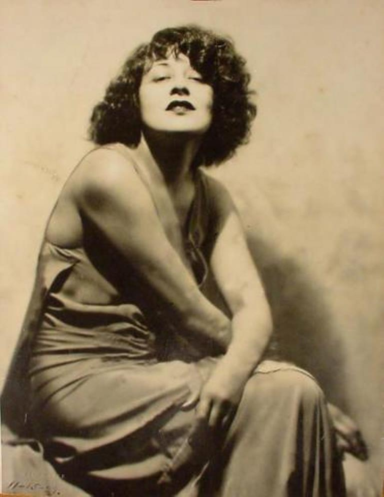 Hal Phyfe. Portrait de l'actrice Lenore Ulric. Via broadwaycassedu