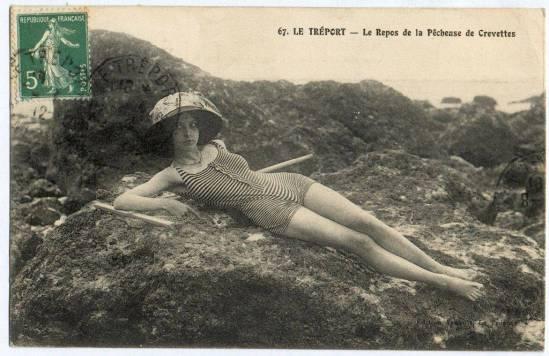 L'actrice Jeanne Roques (dite Musidora) posant en naïade sur une carte du Tréport de 1912. Via cparama