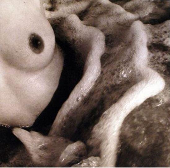Lucien Clergue. Nu de la mer, camargue 1966. Via baudoin-lebon