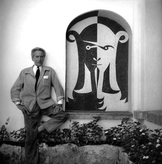 Michel Sima. Jean Cocteau dans la villa Sospir à Saint-Jean-Cap Ferrat 1955. Via muséecocteau