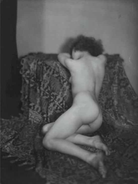 Albert Rudomine. Nu au canapé 1935. Via millon