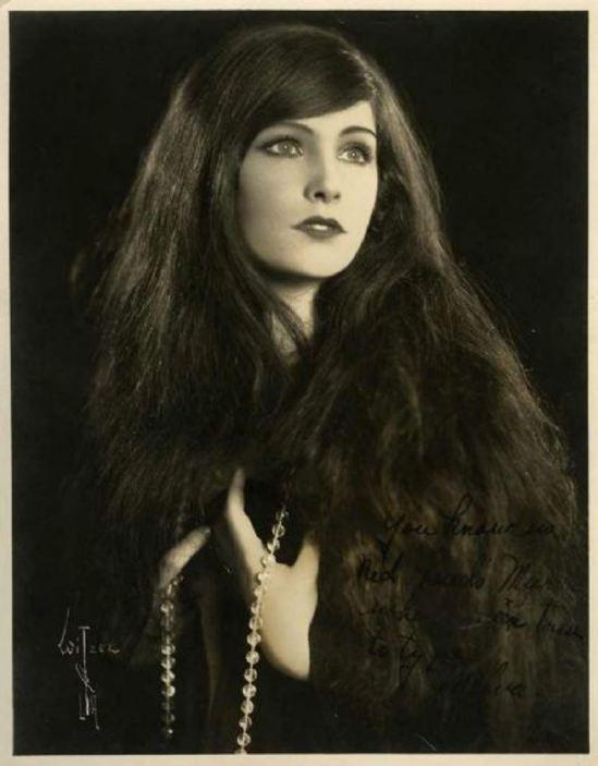 Albert Walter Witzel . L'actrice Melva Cornell 1930. Via fanpix
