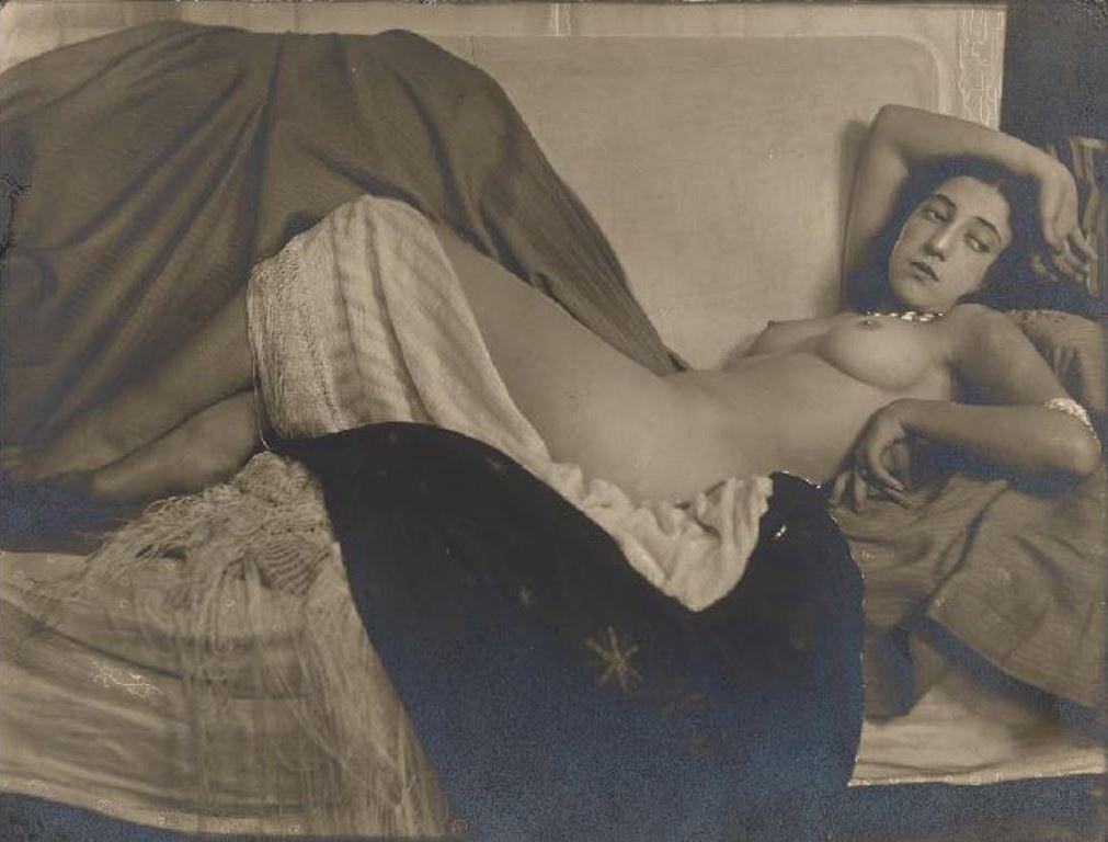 anton-josef-tcrka-reclining-nude-vienna-1926-museum-of-fine-arts