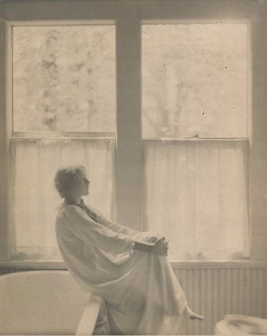 Clarence Hudson White. Morning, the bathroom 1906. Via metmuseum