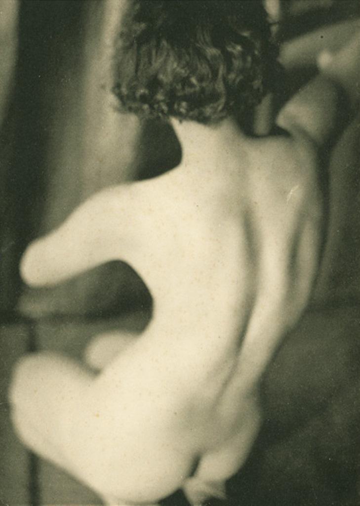 Germaine Krull1. Etude de nu 1930. Via artizar