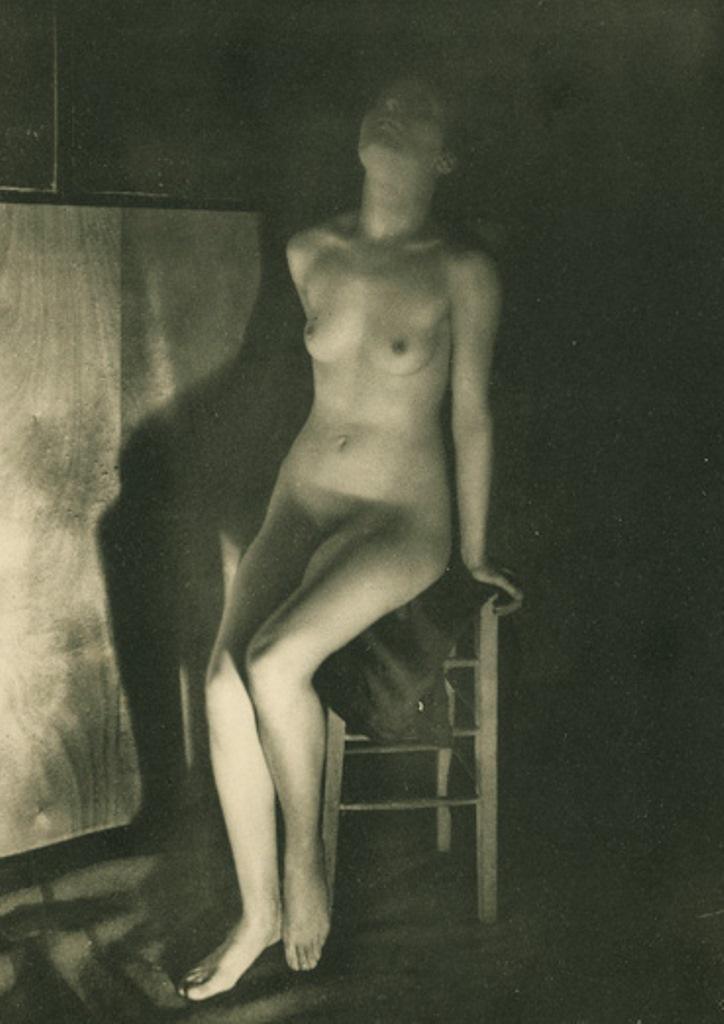 Germaine Krull10. Etude de nu 1930. Via artizar