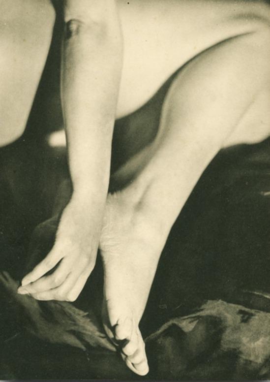 Germaine Krull13. Etude de nu 1930. Via artizar