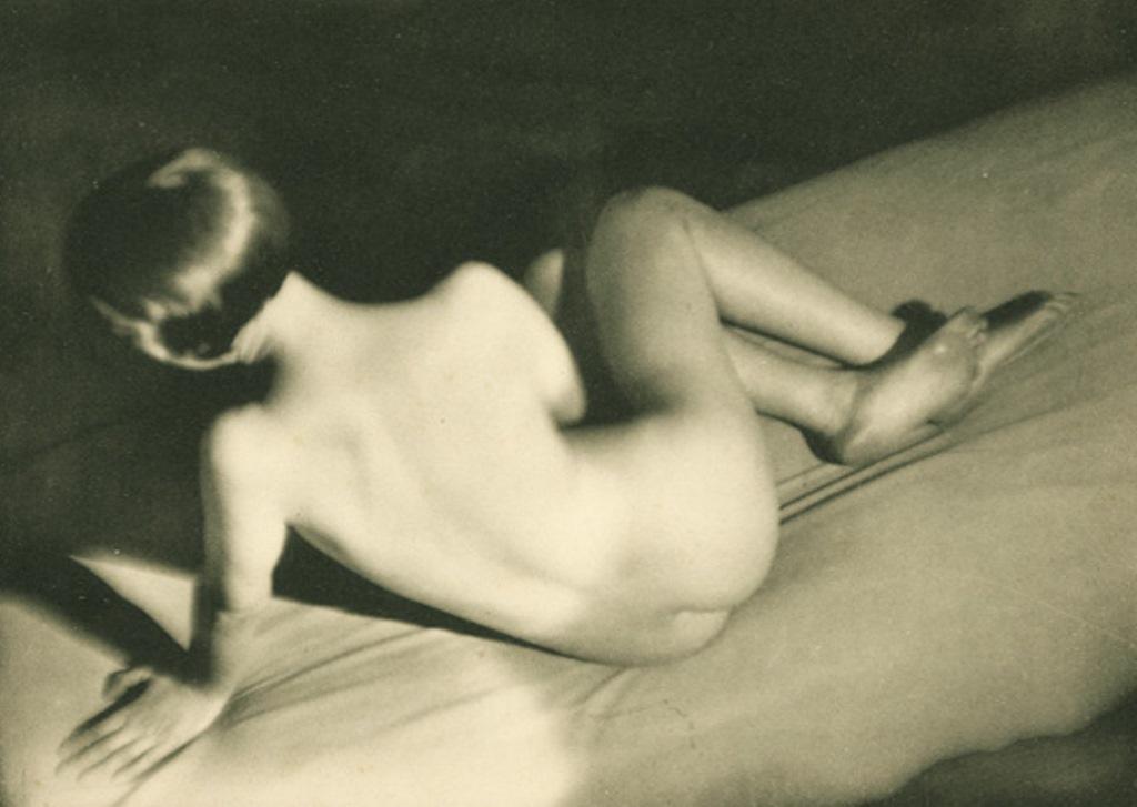 Germaine Krull2. Etude de nu 1930. Via artizar
