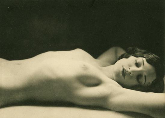 Germaine Krull4. Etude de nu 1930. Via artizar