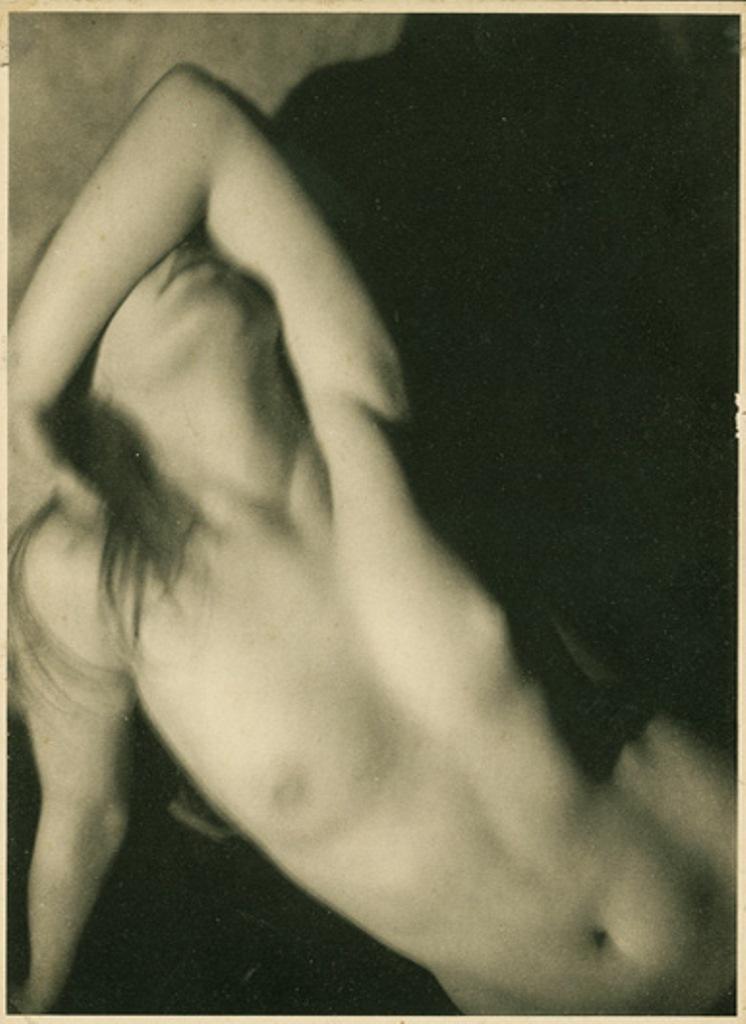 Germaine Krull5. Etude de nu 1930. Via artizar