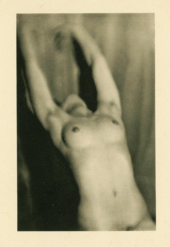 Germaine Krull6. Etude de nu 1930. Via artizar