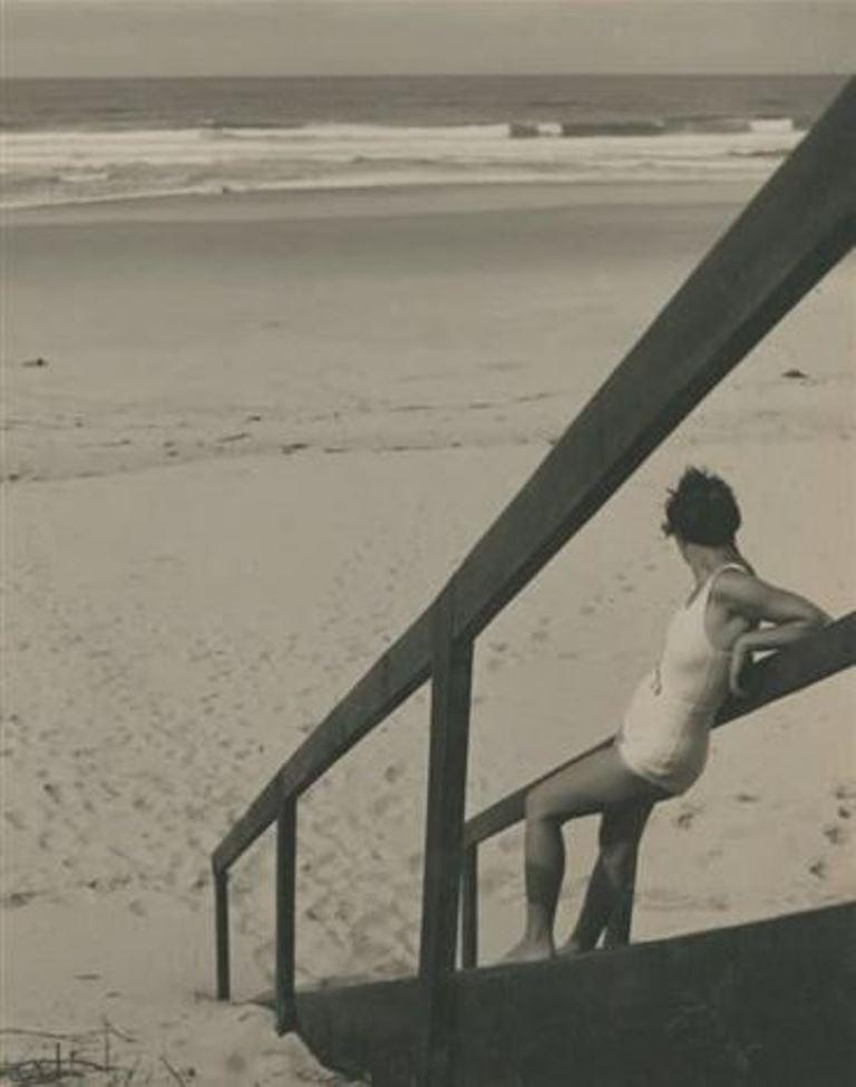 Jean Moral. Juliette sur la plage 1932. Via artnet