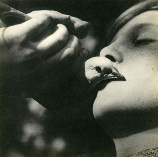 Jean Moral. La femme et l'oiseau 1931. Via liveauctioneers