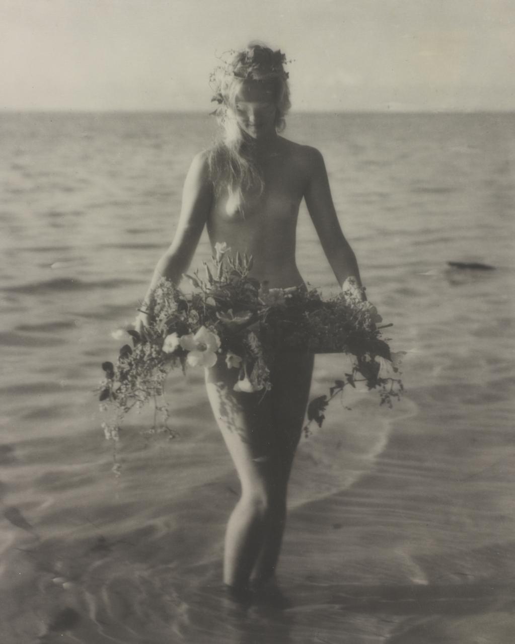 Nell Dorr. Flower Laden 1928-1929. Via cartermuseum