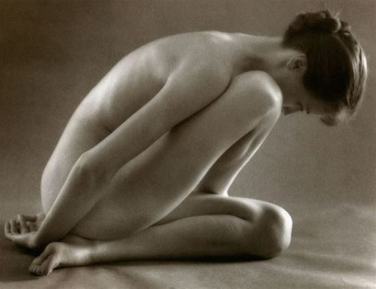 Ruth Bernhard. Folding 1943. Via artnet