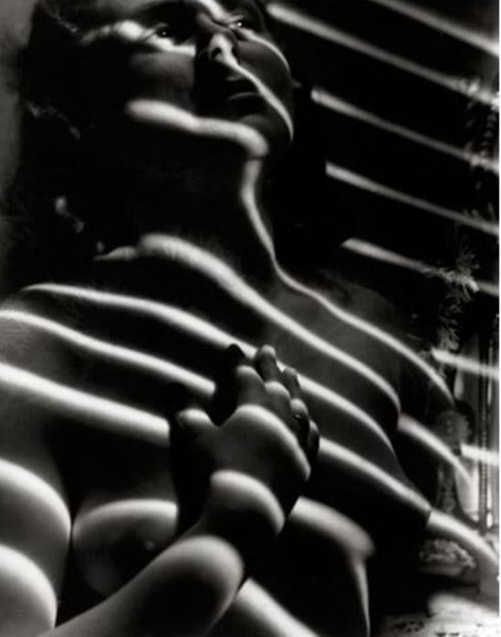 Statsny Bohumil. Female nude in shadow vers 1930-1939. Via artnet