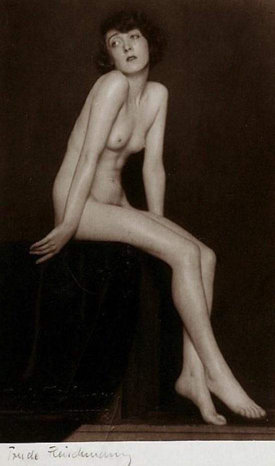 Trude Fleischmann (1895-1990) Claire Bauroff. Via invaluable