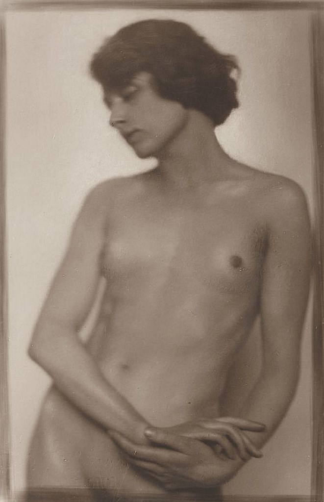 Trude Fleischmann (1895-1990), Nude study of the dancer Claire Bauroff, Vienna 1925. Via invaluable