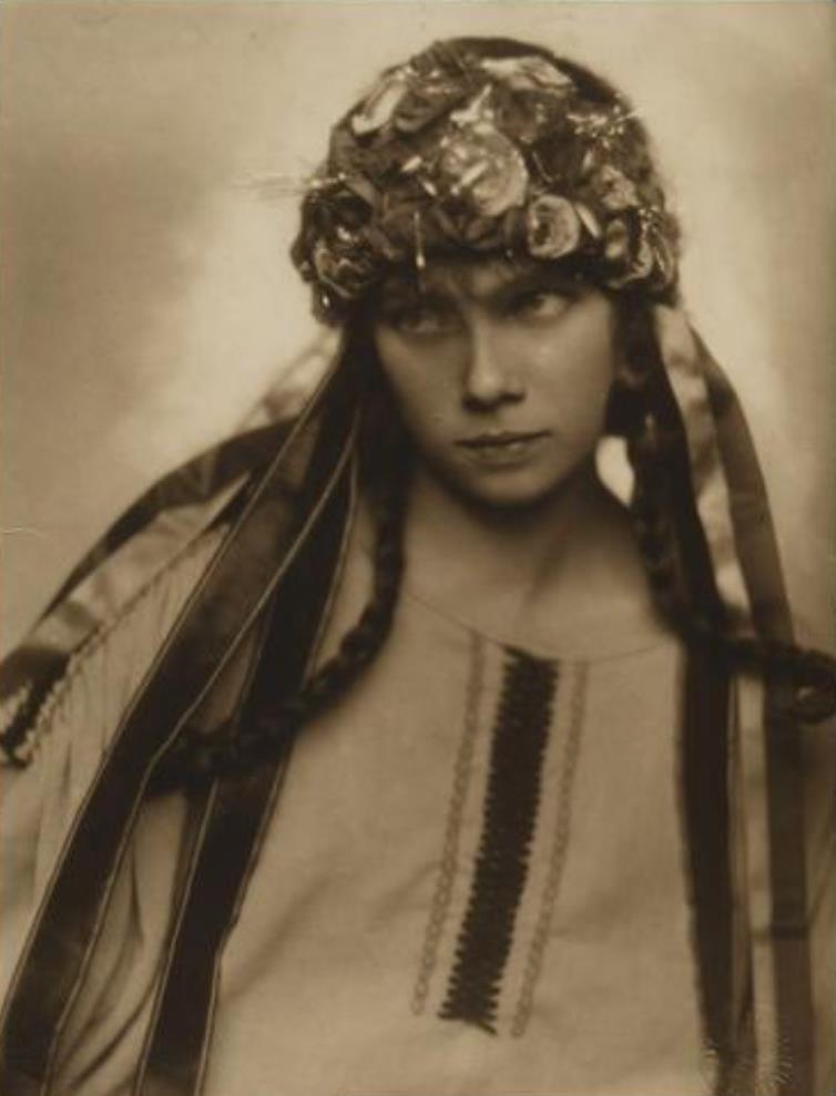 Trude Fleischmann. Tilly Losch. Rollenporträt 1920. Via kulturpool