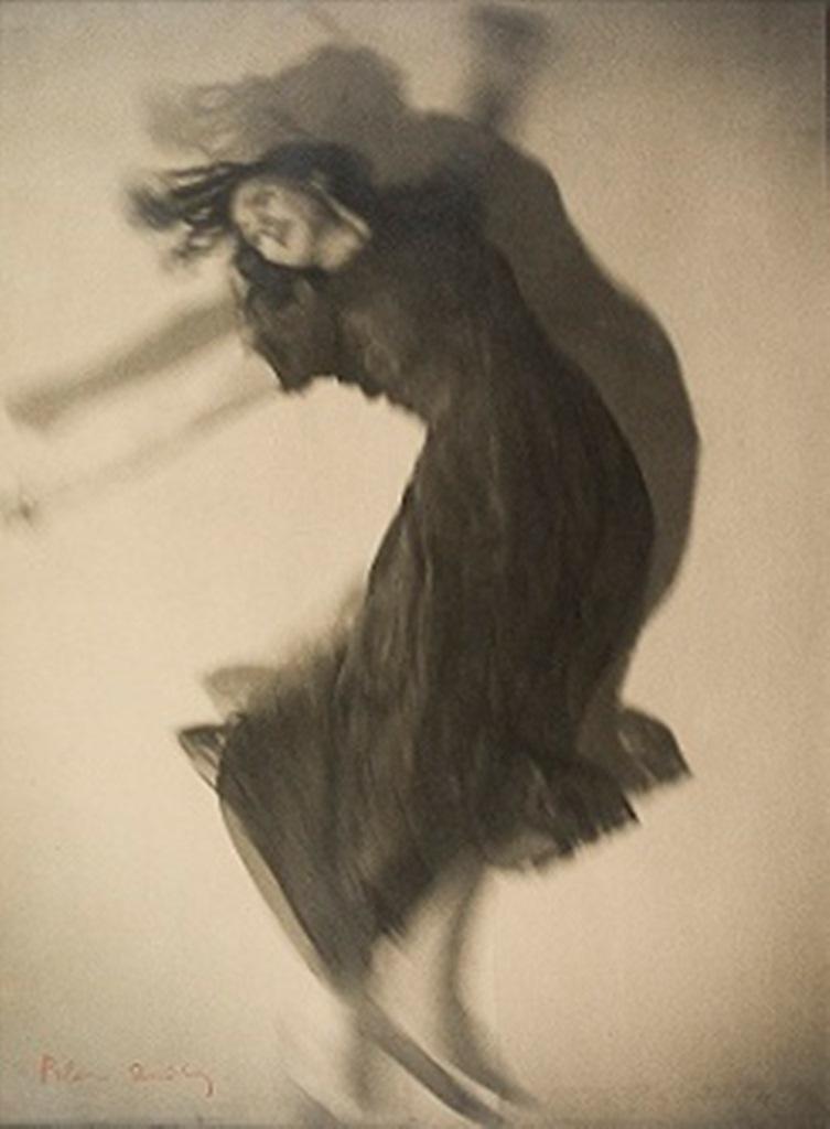 Blanc et Demilly. Danseuse 1933. Via musée paul dini