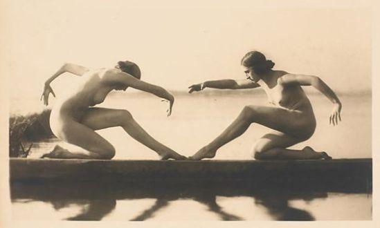 Gerhard Riebicke. Danse du cygne 1925. Via smokethorn