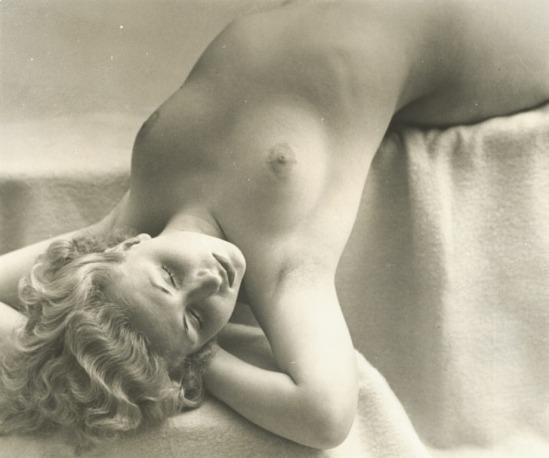 Jean-Marie Auradon Female nude 1940.Via iphotocentral