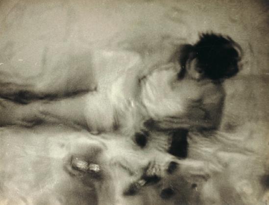 Man Ray. Kiki de Montparnasse dans L'étoile de mer 1928
