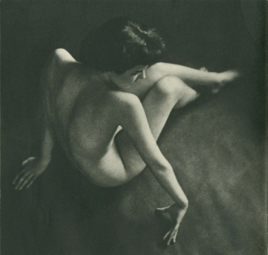 Peter Martin for Figure 1951. Via puppiesandflowers