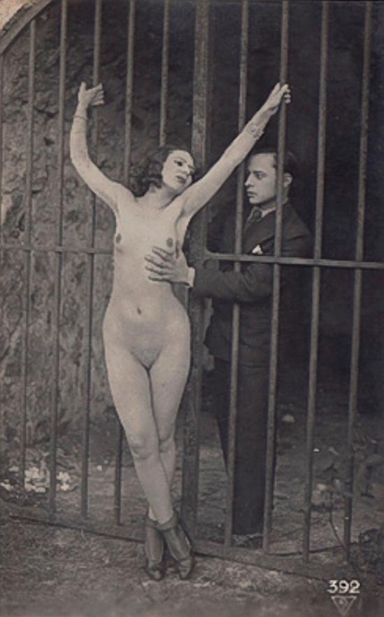 Photographe anonyme. The grip 1910. Via iphotocentral