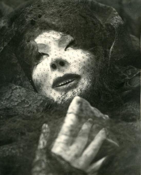 Pierre Molinier. La poupée 1957. Via ebay