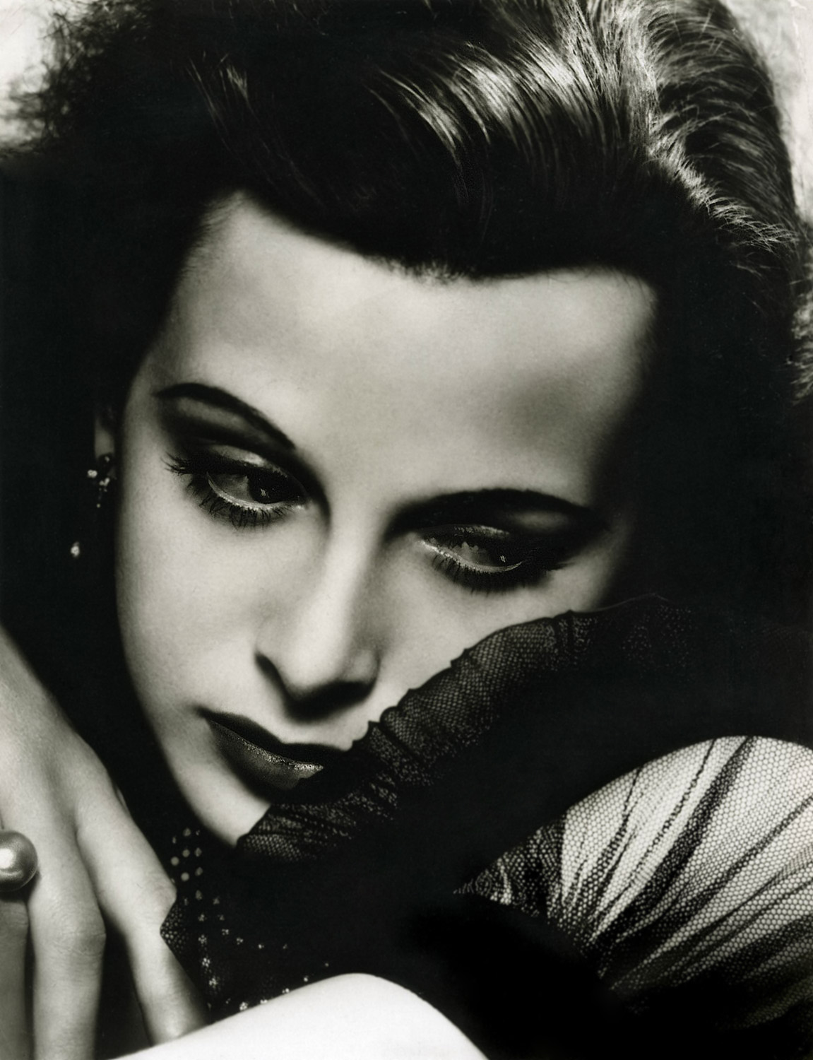 George Hurrell. Hedy Lamarr 1939. Via theredlist