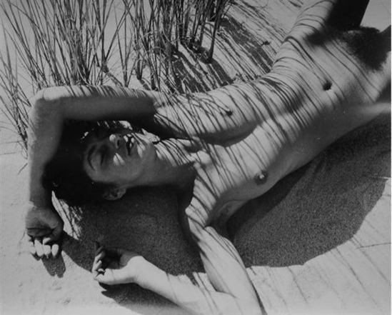 Herbert Matter1. Nude in reeds 1940. Via artnet