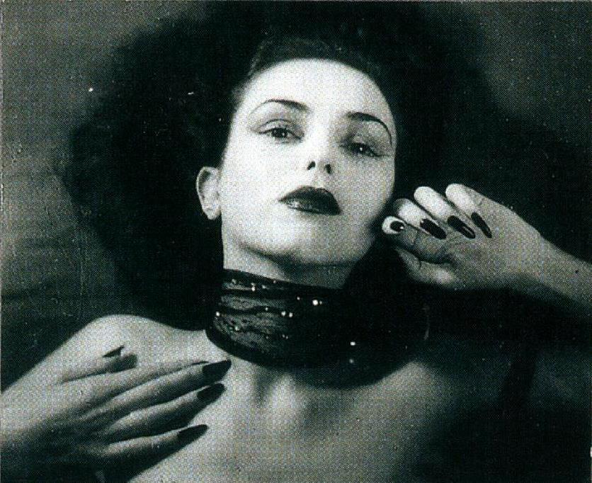 Jacques-Henri Lartigue. Florette, Paris 1944. Scan de Lartigue, l'album d'une vie. ®Centre Pompidou, Editions du Seuil 2003 (2)