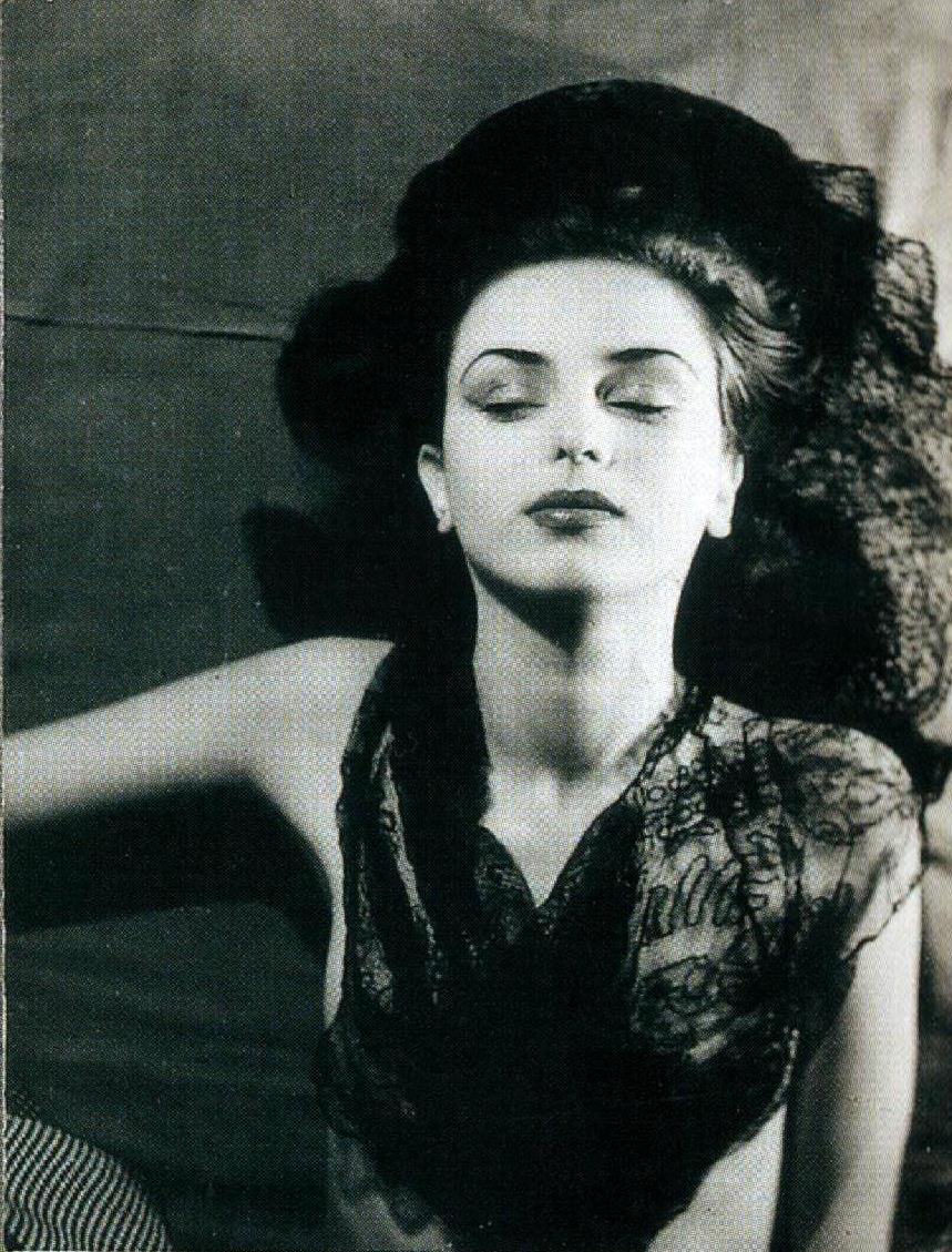 Jacques-Henri Lartigue. Florette, Paris 1944. Scan de Lartigue, l'album d'une vie. ®Centre Pompidou, Editions du Seuil 2003 (3)